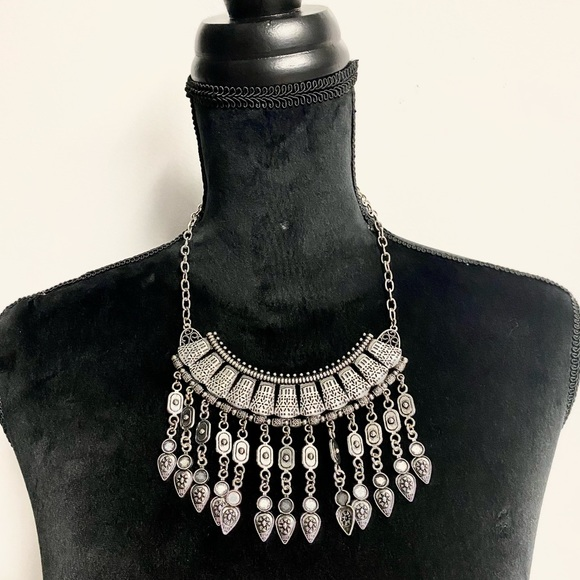 Women's Tribal style Necklace and earrings set